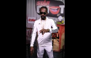 Munga on the STAR CHAT set.